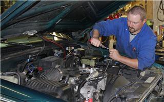Dick's Auto & Truck Repair - Photo 5
