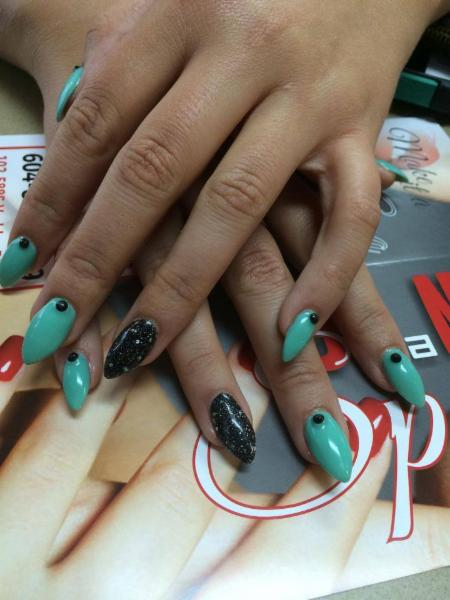 Diva Nails & Esthetics - Photo 6