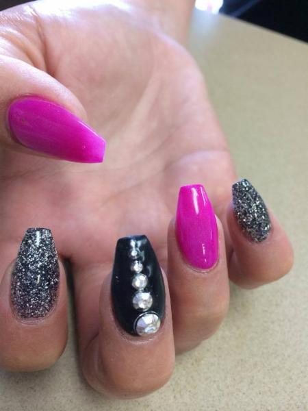 Diva Nails & Esthetics - Photo 9