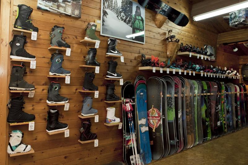 The Skier's Sportshop - Photo 1