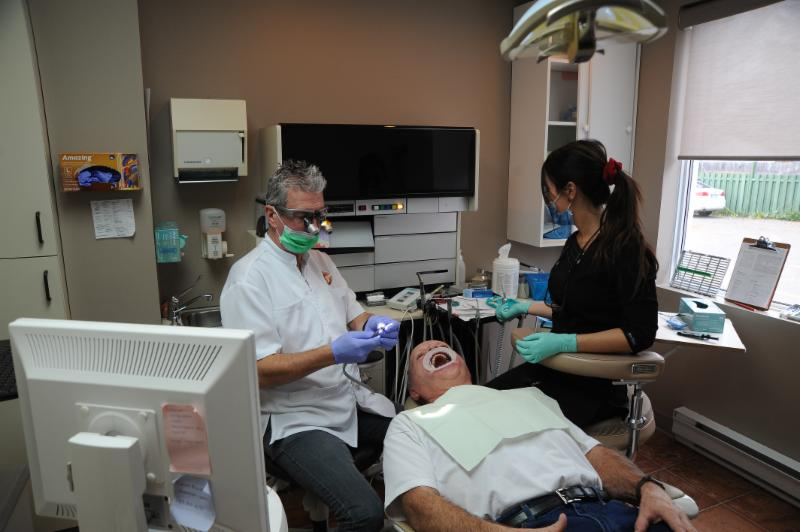 Centre Dentaire Laser Faust & Associés - Photo 3