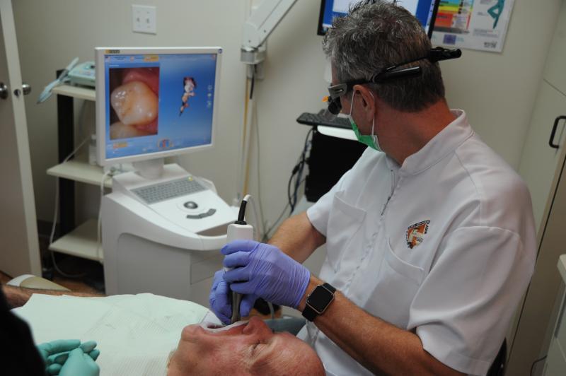 Centre Dentaire Laser Faust & Associés - Photo 9
