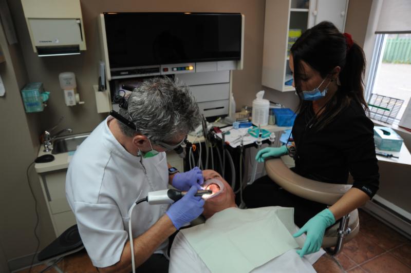 Centre Dentaire Laser Faust & Associés - Photo 6