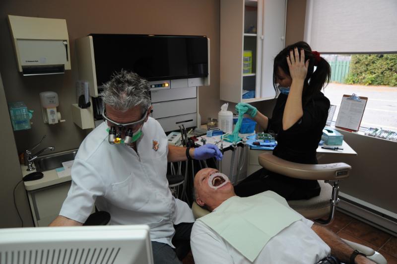 Centre Dentaire Laser Faust & Associés - Photo 11
