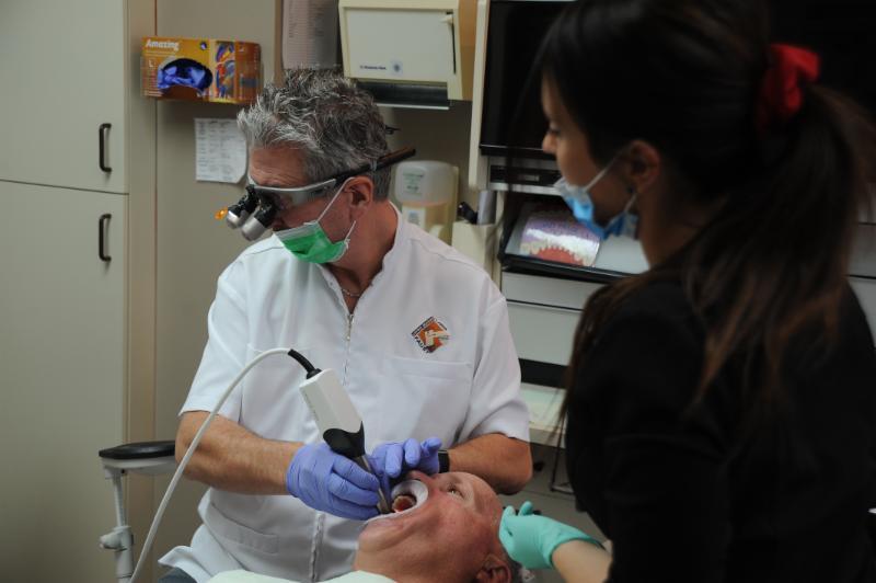 Centre Dentaire Laser Faust & Associés - Photo 14