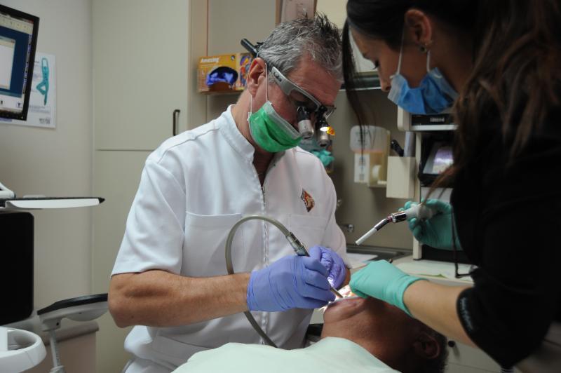 Centre Dentaire Laser Faust & Associés - Photo 21