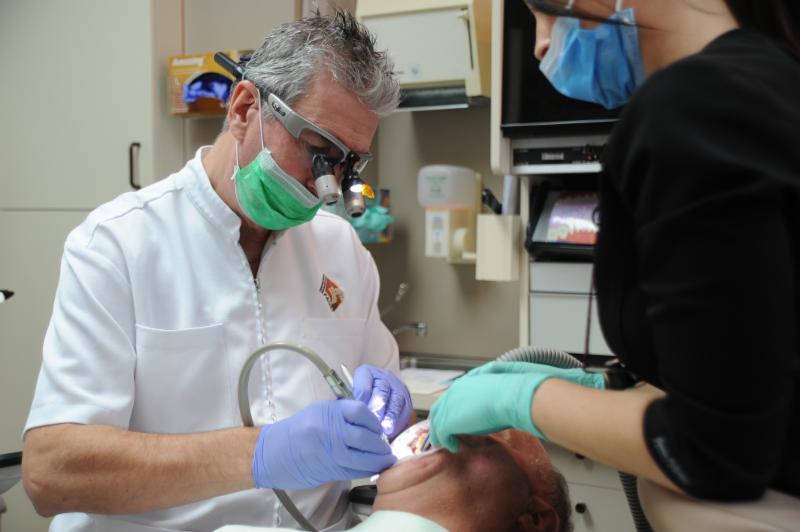 Centre Dentaire Laser Faust & Associés - Photo 19