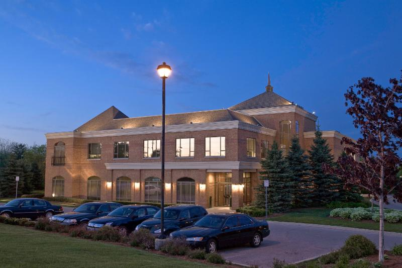 Chapel Ridge Funeral Home and Cremation Centre - Photo 3