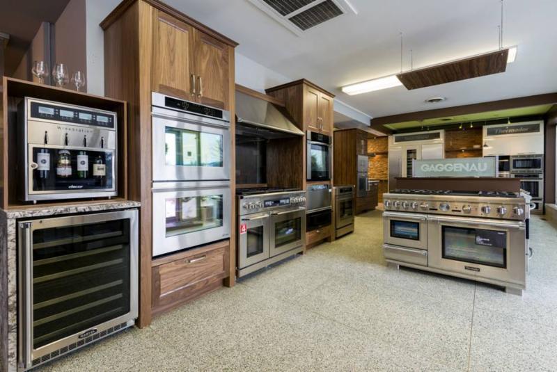 Appliances Universal - Photo 3