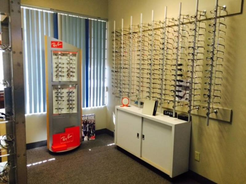 Langley Eyecare Centre - Photo 3