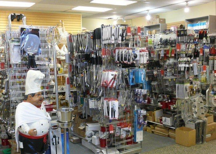 Chris' Store Fixtures - Photo 2