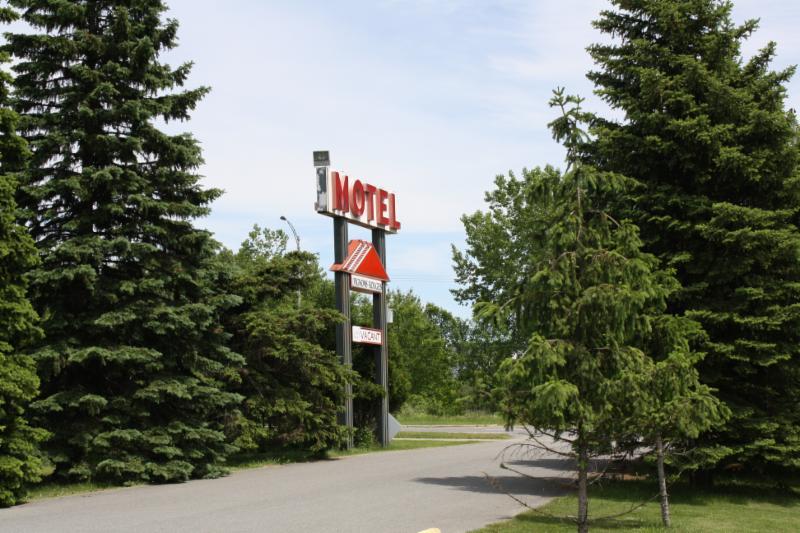 Motel Pignons Rouges - Photo 4