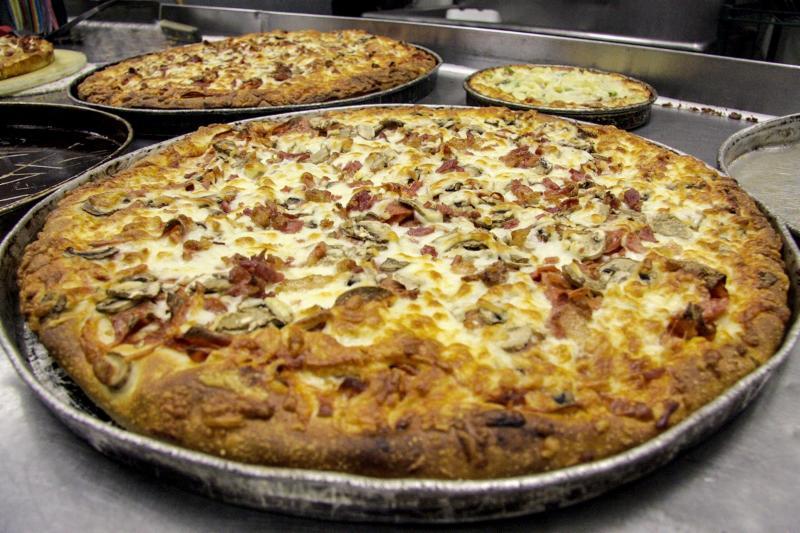 Vern's Pizza - Photo 1