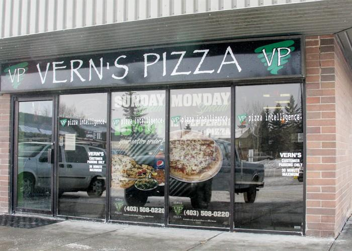 Vern's Pizza - Photo 4