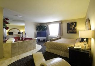 Quality Inn & Suites Choice Hotels - Photo 9
