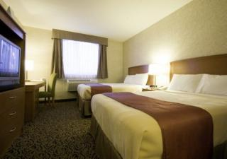 Quality Inn & Suites Choice Hotels - Photo 4