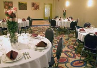 Quality Inn & Suites Choice Hotels - Photo 7