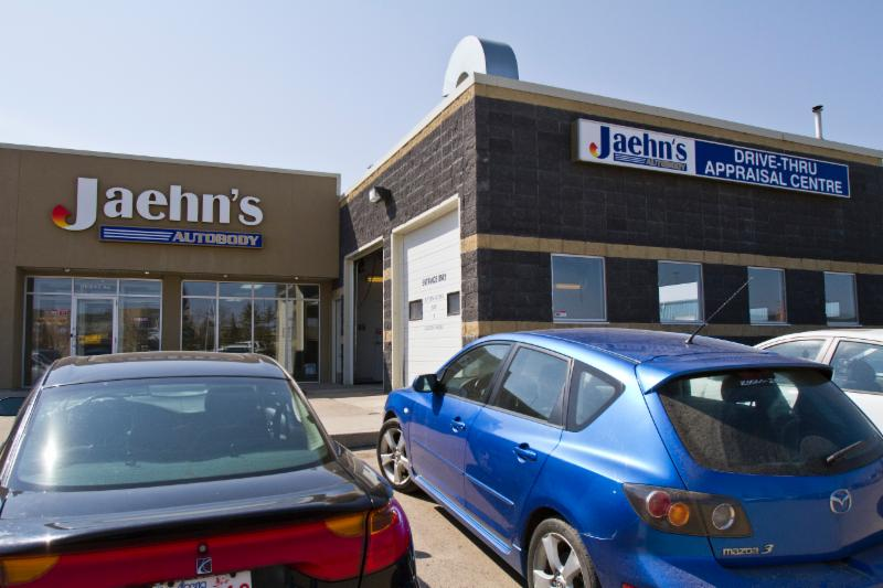 Jaehn's Autobody Shop Ltd - Photo 2