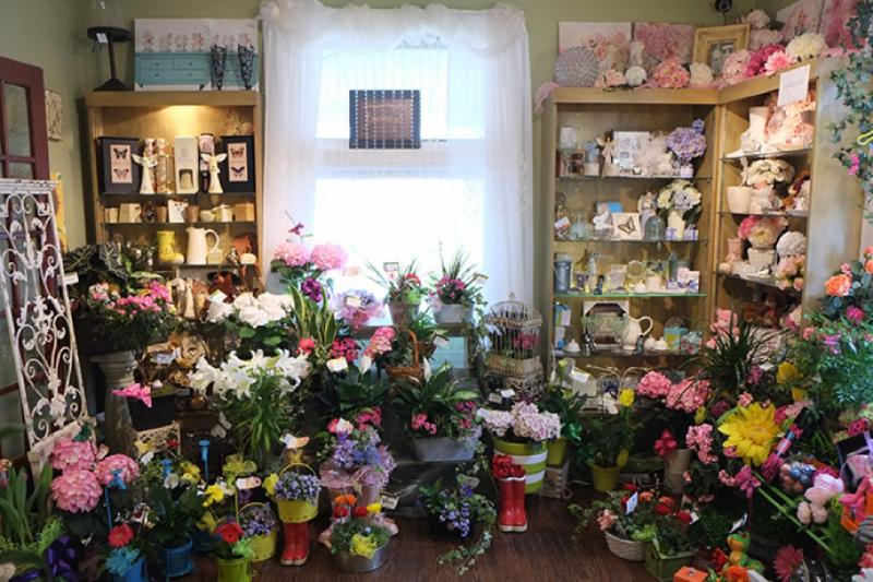 Brooklin Floral & Garden Shoppe Inc - Photo 1