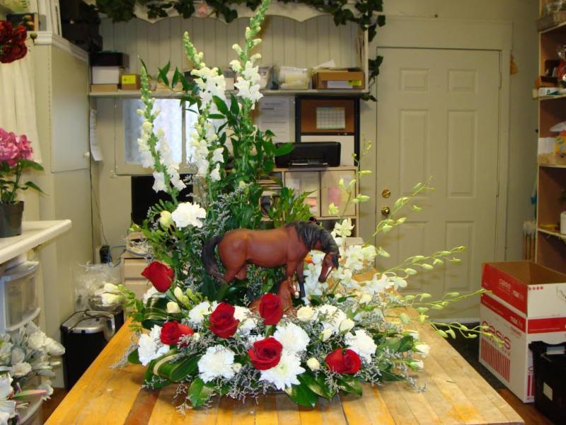 Arlie's Florist & Gift Shoppe - Photo 3