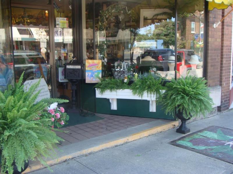 Arlie's Florist & Gift Shoppe - Photo 6