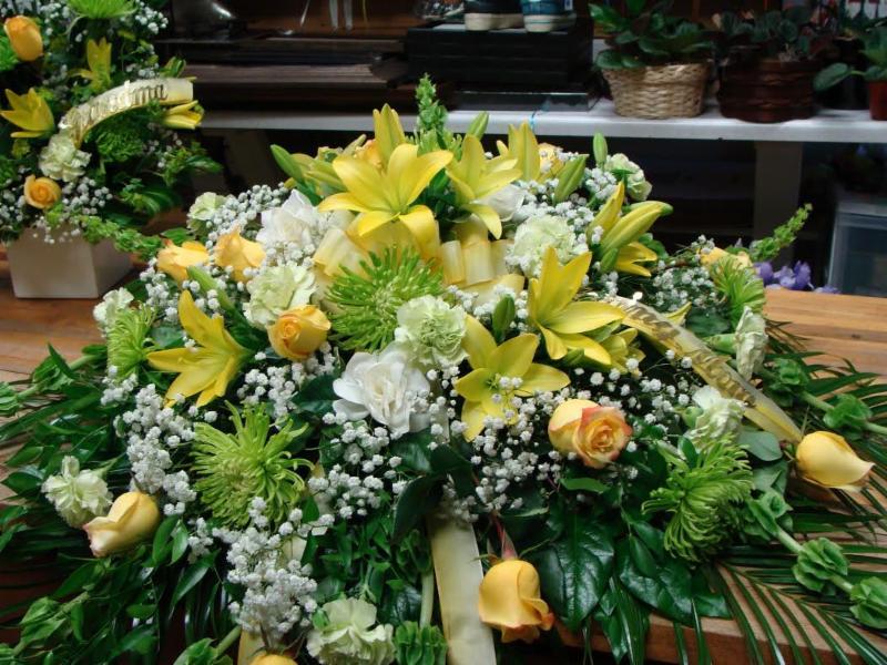 Arlie's Florist & Gift Shoppe - Photo 5