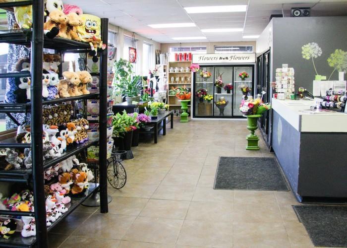 The Tree House Flower Shop - Photo 3