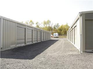 Cornwall Stormont Self Storage - Photo 4