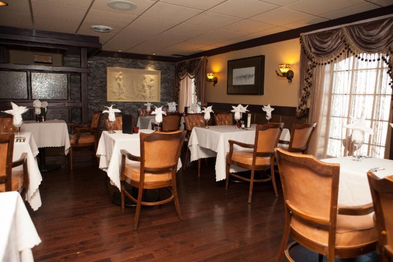 Berc's Steak House - Photo 2