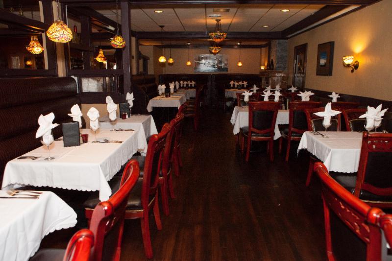 Berc's Steak House - Photo 8
