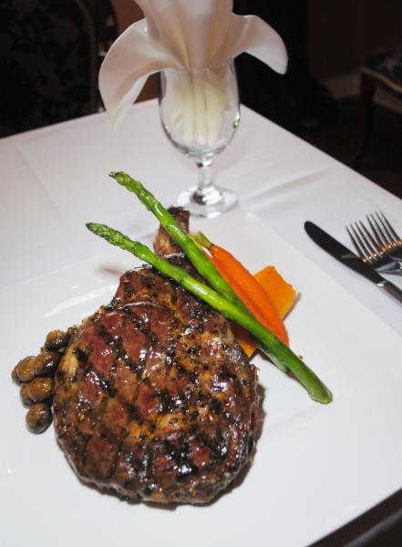 Berc's Steak House - Photo 5