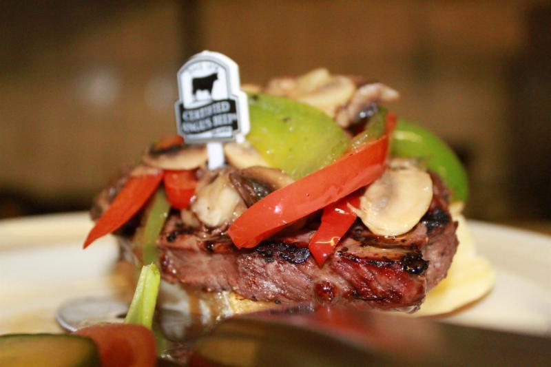 Berc's Steak House - Photo 11