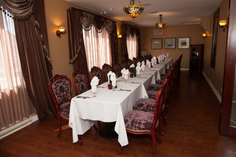 Berc's Steak House - Photo 1