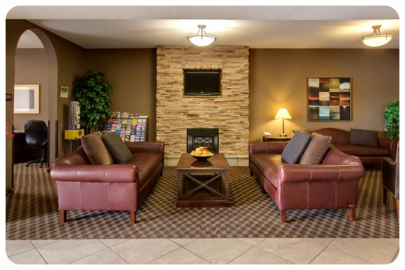 Comfort Inn & Suites - Photo 1