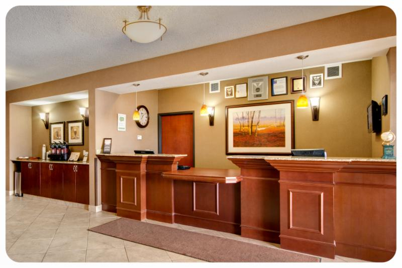 Comfort Inn & Suites - Photo 2