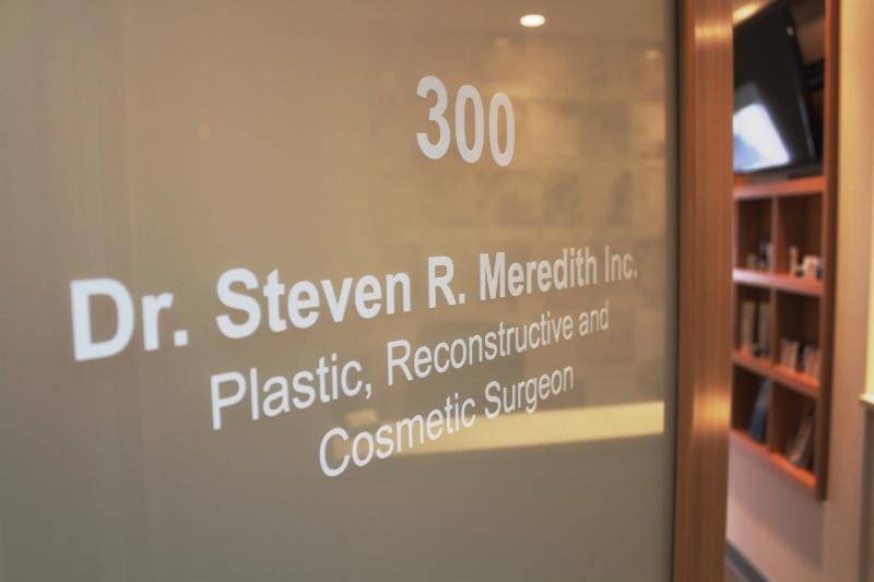 Dr Steven Meredith - Photo 10