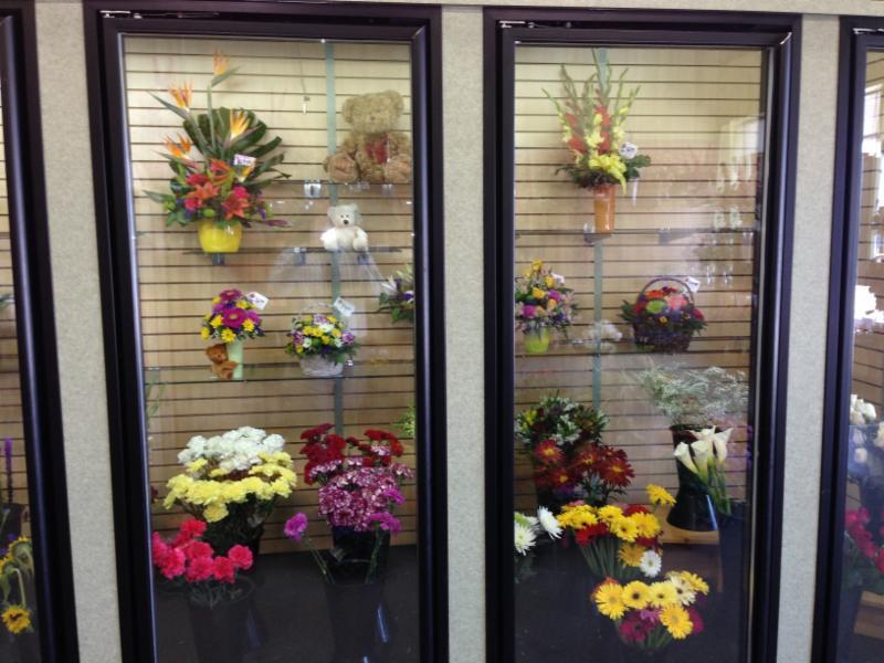 Karen's & Tina's Flowers - Photo 5