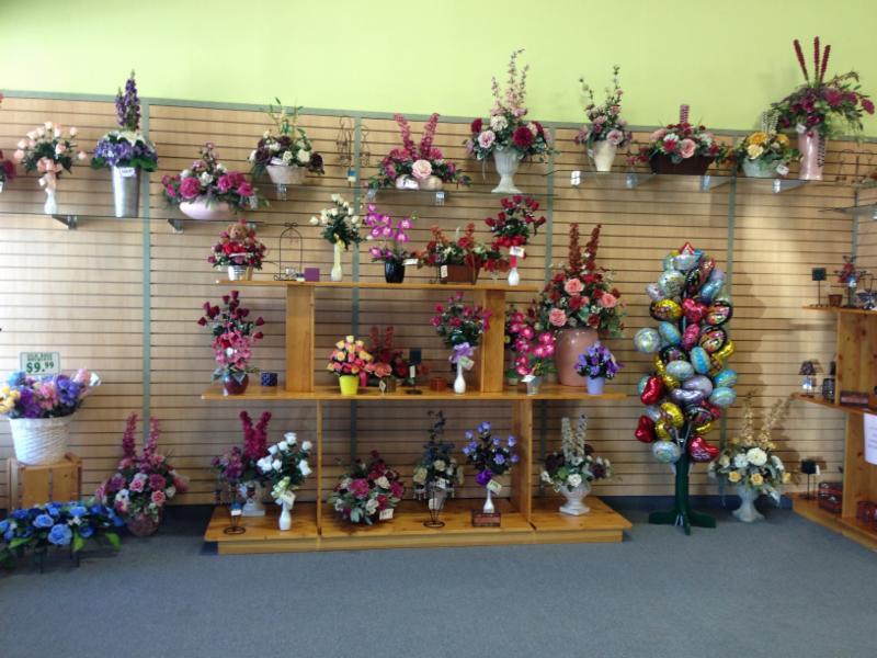 Karen's & Tina's Flowers - Photo 3