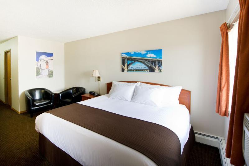 Riviera Motor Inn - Photo 6