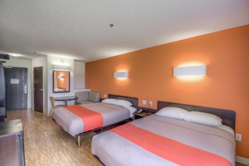 Motel 6 - Photo 21