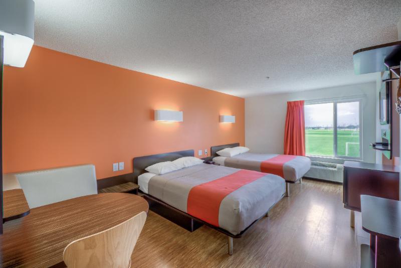 Motel 6 - Photo 25