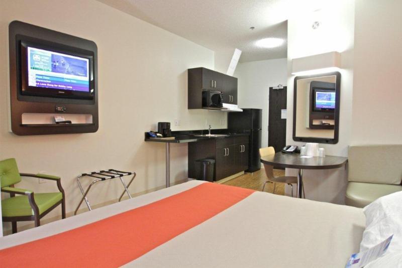 Motel 6 - Photo 71