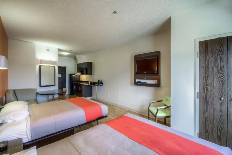 Motel 6 - Photo 16