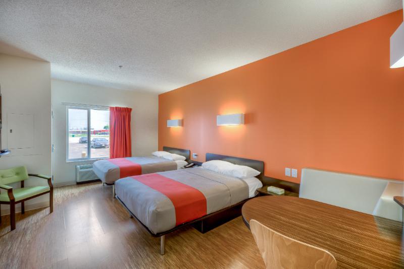 Motel 6 - Photo 9