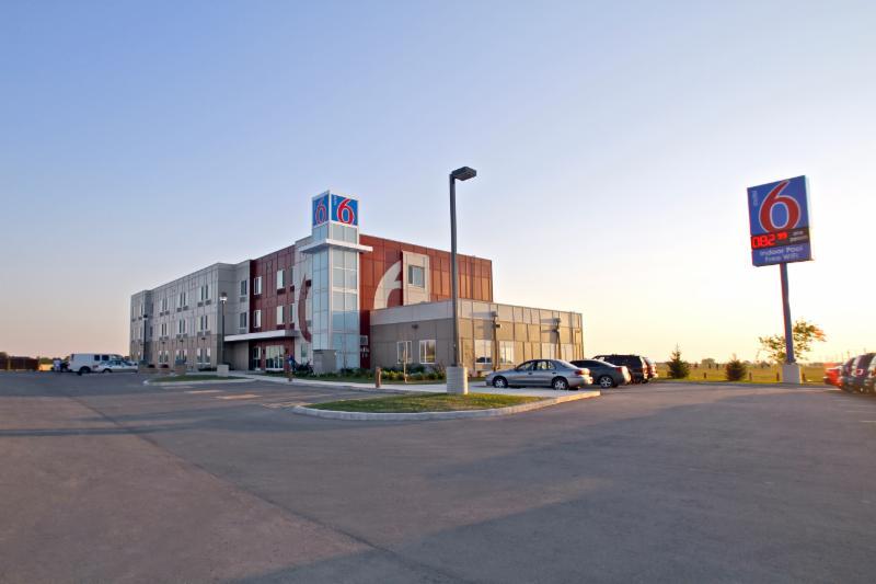 Motel 6 - Photo 81