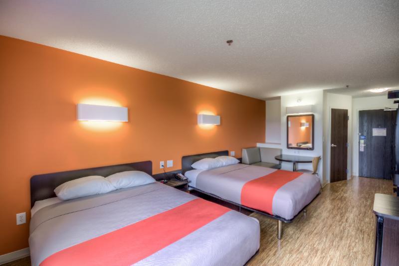 Motel 6 - Photo 48
