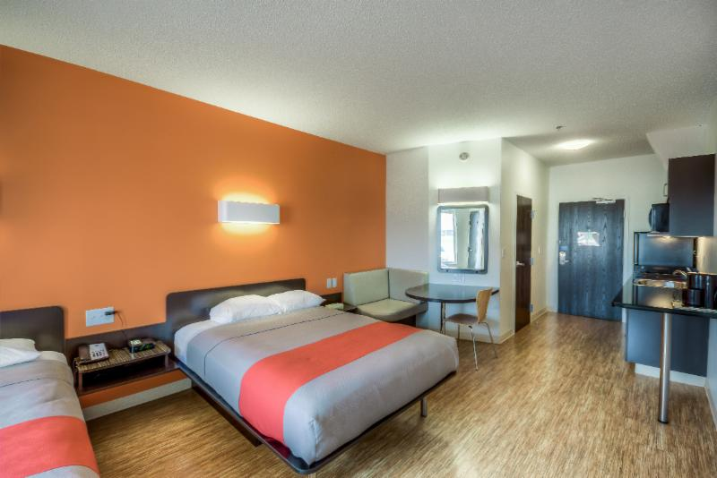 Motel 6 - Photo 18