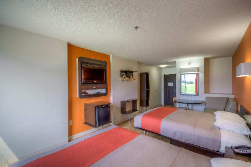 Motel 6 - Photo 23