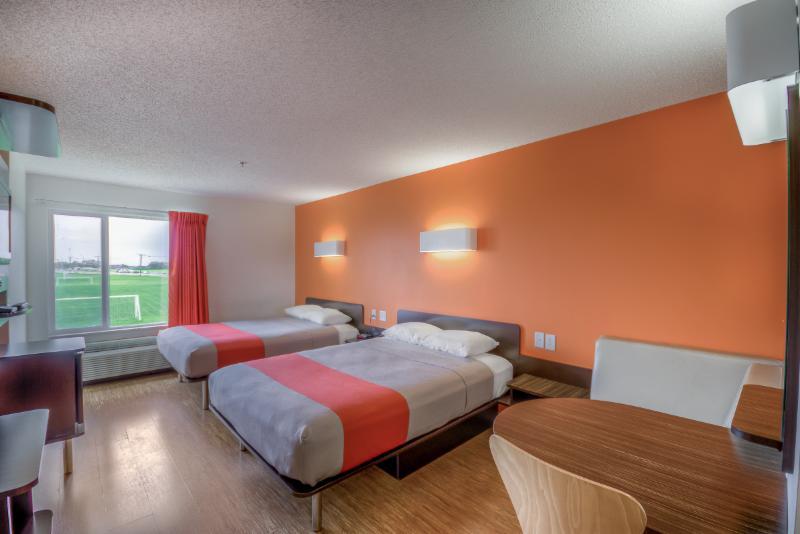 Motel 6 - Photo 46