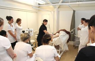 Universal Hair & Aesthetics Academy - Photo 4